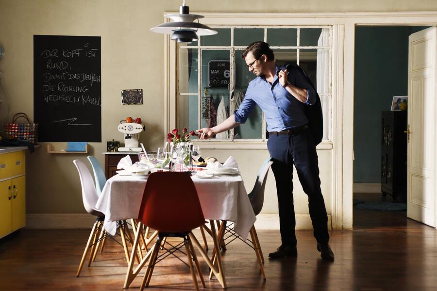 auf der anderen seite ist das gras viel gr ner bild 4 von 17. Black Bedroom Furniture Sets. Home Design Ideas