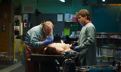 The Autopsy of Jane Doe mit Emile Hirsch und Brian Cox - Bild 8