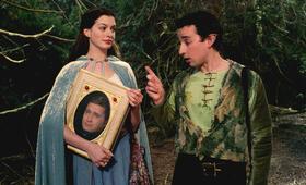 Anne Hathaway inElla - Verflixt & zauberhaft - Bild 96
