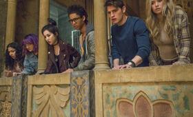 Marvel's Runaways, Marvel's Runaways Staffel 1 mit Virginia Gardner, Gregg Sulkin, Ariela Barer und Rhenzy Feliz - Bild 2
