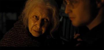 Hazel Douglas als Bathilda Bagshot in Harry Potter