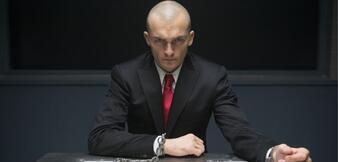 Rupert Friend im deutschen Trailer zuHitman: Agent 47