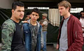 Tatort: Am Ende geht man nackt mit Fabian Hinrichs, Yasin el Harrouk und Mohamed Issa - Bild 13