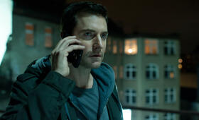 Berlin Station, Berlin Station Staffel 1 mit Richard Armitage - Bild 21