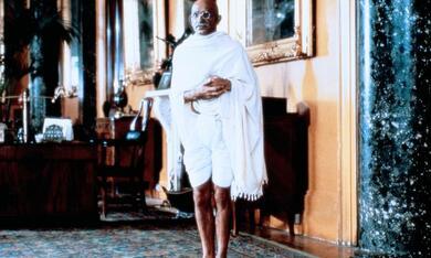 Gandhi mit Ben Kingsley - Bild 4
