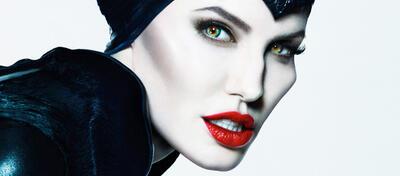 Wie wärs mit einer Runde Malefiz? Angelina Jolie als Maleficent, die dunkle Fee.