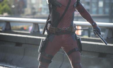 Deadpool mit Ryan Reynolds - Bild 12