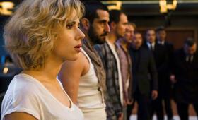 Lucy mit Scarlett Johansson - Bild 171