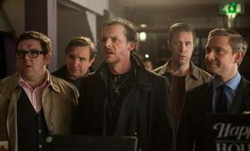 The World's End mit Martin Freeman, Simon Pegg, Nick Frost, Eddie Marsan und Paddy Considine - Bild 2