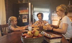 Pelikanblut mit Nina Hoss, Adelia-Constance Ocleppo und Katerina Lipovska - Bild 5