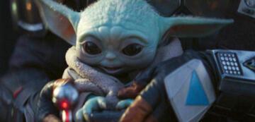 Fröhlicher Baby Yoda in The Mandalorian