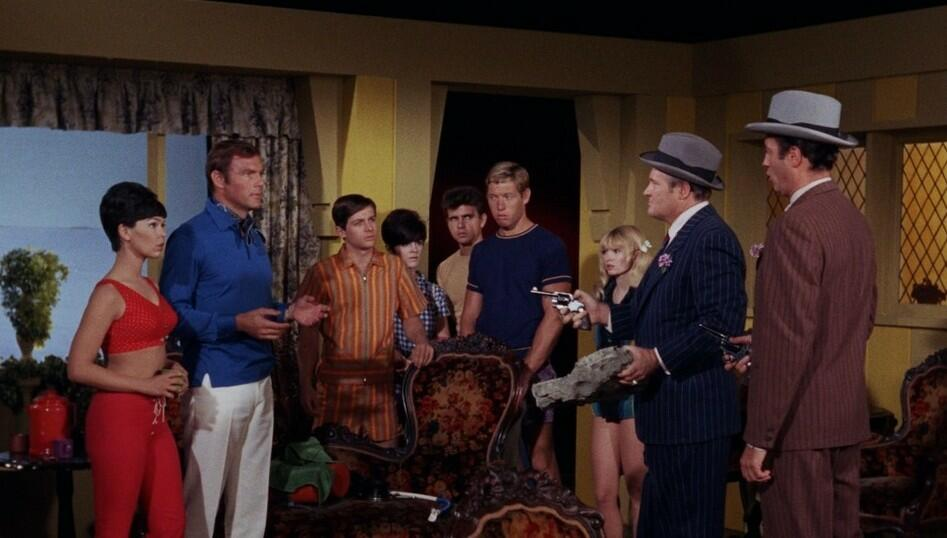 batman bild 27 von 45. Black Bedroom Furniture Sets. Home Design Ideas