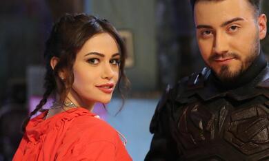Enes Batur - Gercek Kahraman mit Damla Aslanalp und Enes Batur - Bild 8