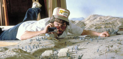 Steven Spielberg am Set von Jäger des verlorenen Schatzes