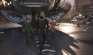 Black Panther mit Danai Gurira, Lupita Nyong'o und Chadwick Boseman - Bild 2