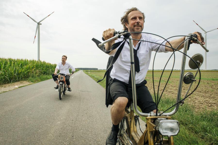 25 km/h mit Bjarne Mädel und Lars Eidinger
