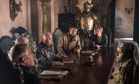Game of Thrones - Staffel 6 mit Lena Headey, Nikolaj Coster-Waldau, Diana Rigg, Julian Glover, Hafþór Júlíus Björnsson, Roger Ashton-Griffiths und Ian Gelder - Bild 4