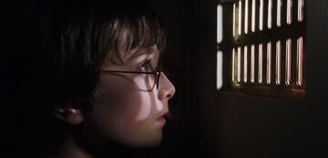 Beengtes Warten mit Harry Potter-Gefühl