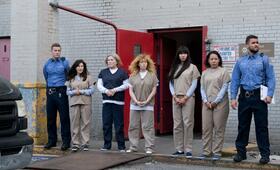 Orange Is the New Black - Staffel 7 mit Natasha Lyonne und Kate Mulgrew - Bild 1