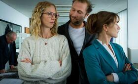 Tip Top mit Isabelle Huppert, François Damiens und Sandrine Kiberlain - Bild 69