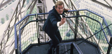 Roger Moore als James Bond in Im Angesicht des Todes