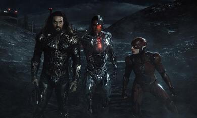 Zack Snyder's Justice League mit Jason Momoa und Ezra Miller - Bild 12