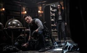 Hellboy - Call of Darkness mit Daniel Dae Kim und Sasha Lane - Bild 3
