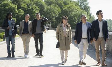 Monsieur Claude und seine Töchter 2  mit Christian Clavier, Ary Abittan, Medi Sadoun, Chantal Lauby und Frédéric Chau - Bild 9