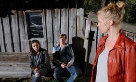 Marie fängt Feuer: Zweite Chance mit Emma Drogunova, Ulrich Brandhoff und Christine Eixenberger - Bild 8