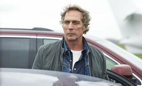 All the Devil's Men mit William Fichtner - Bild 2