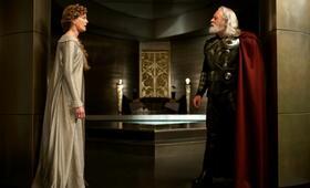 Thor mit Anthony Hopkins - Bild 10