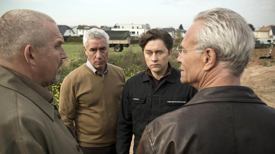 Tatort: Bombengeschäft mit Dietmar Bär, Klaus J. Behrendt und Ralph Herforth
