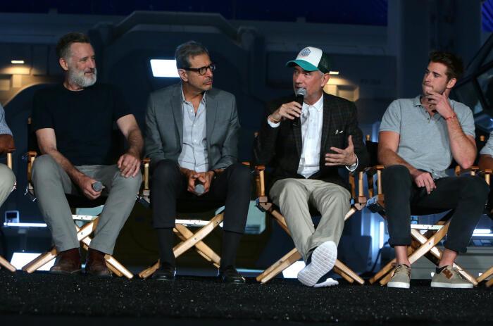 Independence Day 2: Wiederkehr mit Jeff Goldblum, Liam Hemsworth, Roland Emmerich und Bill Pullman