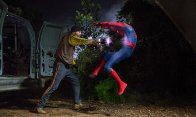 Spider-Man: Homecoming mit Logan Marshall-Green - Bild 8