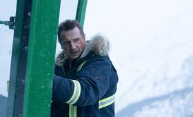 Hard Powder mit Liam Neeson - Bild 9