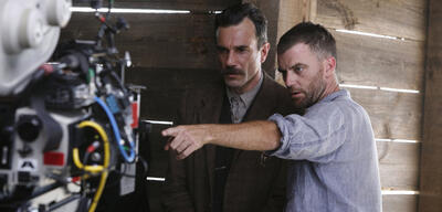 Daniel Day Lewis und Paul Thomas Anderson am Set von There Will Be Blood