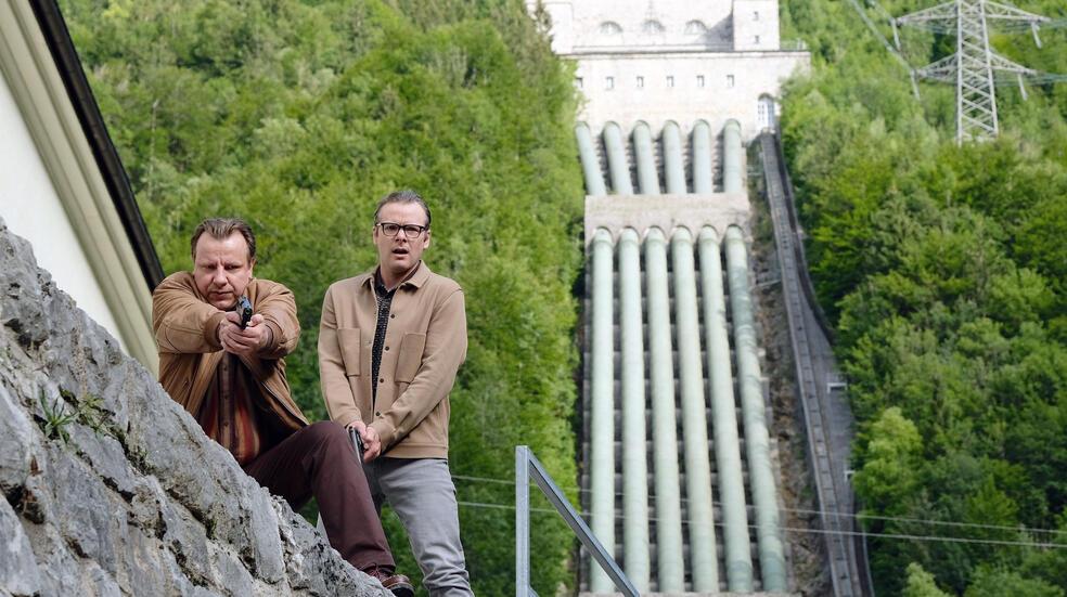 Kühn hat zu tun mit Ronald Kukulies und Nicholas Reinke