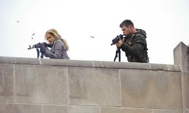 Red Dawn mit Chris Hemsworth und Isabel Lucas - Bild 4