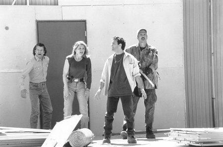 Tremors 2 - Die Rückkehr der Raketenwürmer mit Fred Ward, Helen Shaver und Christopher Gartin