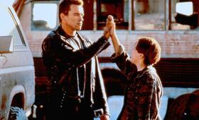 Terminator 2 - Tag der Abrechnung mit Arnold Schwarzenegger und Edward Furlong - Bild 8