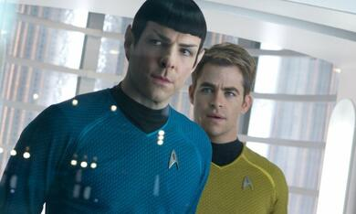 Star Trek Into Darkness mit Zachary Quinto und Chris Pine - Bild 1
