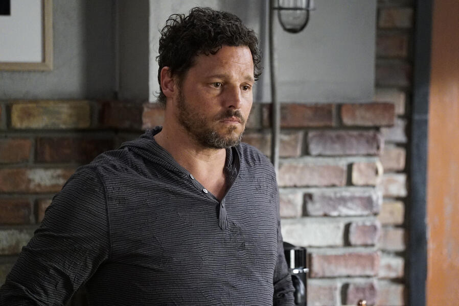 Grey's Anatomy - Staffel 16, Grey's Anatomy - Staffel 16 Episode 1 mit Justin Chambers