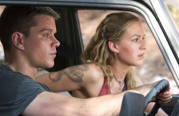 Auch Matt Damon saß in Die Bourne Verschwörung schon mal hinterm Steuer