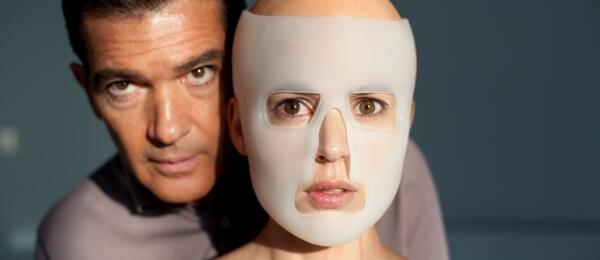 Antonio Banderas mit Elena Anaya in Die Haut, in der ich wohne