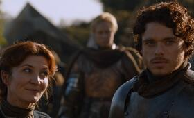 Game of Thrones - Staffel 2 mit Richard Madden und Michelle Fairley - Bild 10