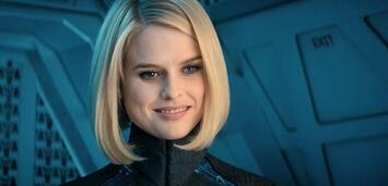 Bild zu:  Alice Eve in Star Trek Into Darkness