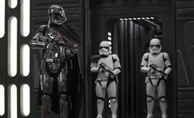 Star Wars: Episode VIII - Die letzten Jedi mit Gwendoline Christie - Bild 22