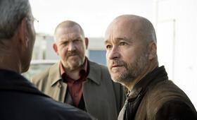 Tatort: Bombengeschäft mit Dietmar Bär, Klaus J. Behrendt und Thomas Darchinger - Bild 32