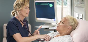 Grey's Anatomy: Meredith (Ellen Pompeo) mit wichtiger Patientin in Staffel 15