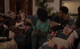 What/If, What/If - Staffel 1 mit Jane Levy, Blake Jenner, Keith Powers und Samantha Marie Ware - Bild 14